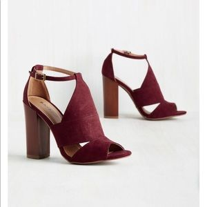 BAMBOO Block Heel in Maroon 6.5